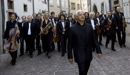 """Moscow Virtuosi"" Chamber Orchestra, Featuring Vladimir Spivakov; U.S. Tour"
